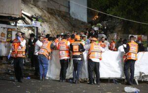 Izraelskie siły ratownicze ipolicja namiejscu katastrofy